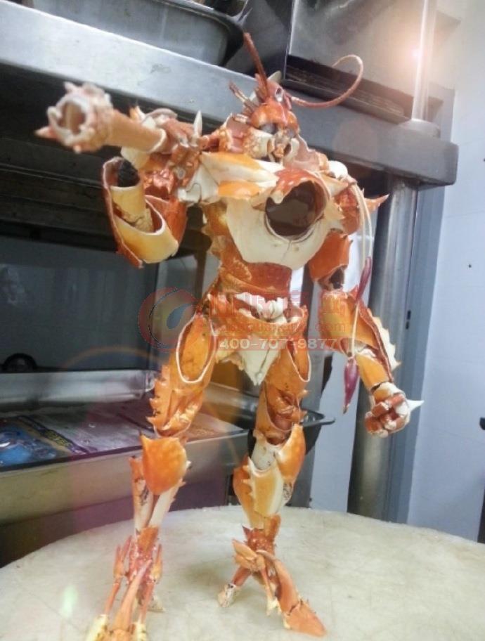 吃货玩转废旧物资 螃蟹壳变身铠甲勇士